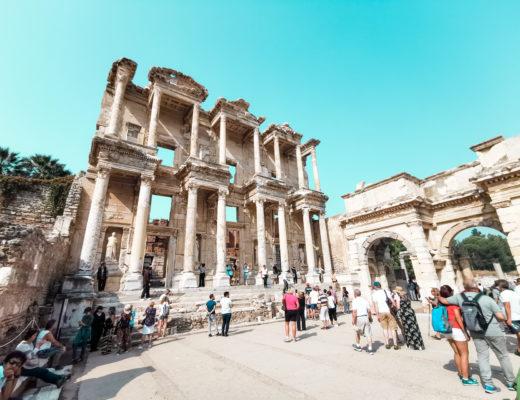 Efez w Turcji - miejsce, które warto zobaczyć będąc na wakacjach.